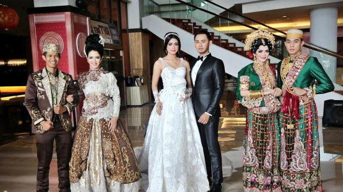 Model Harga Sewa Baju Pengantin Muslimah Qwdq Tribunwiki Ini 4 Salon Penyewaan Baju Pengantin Di Makassar