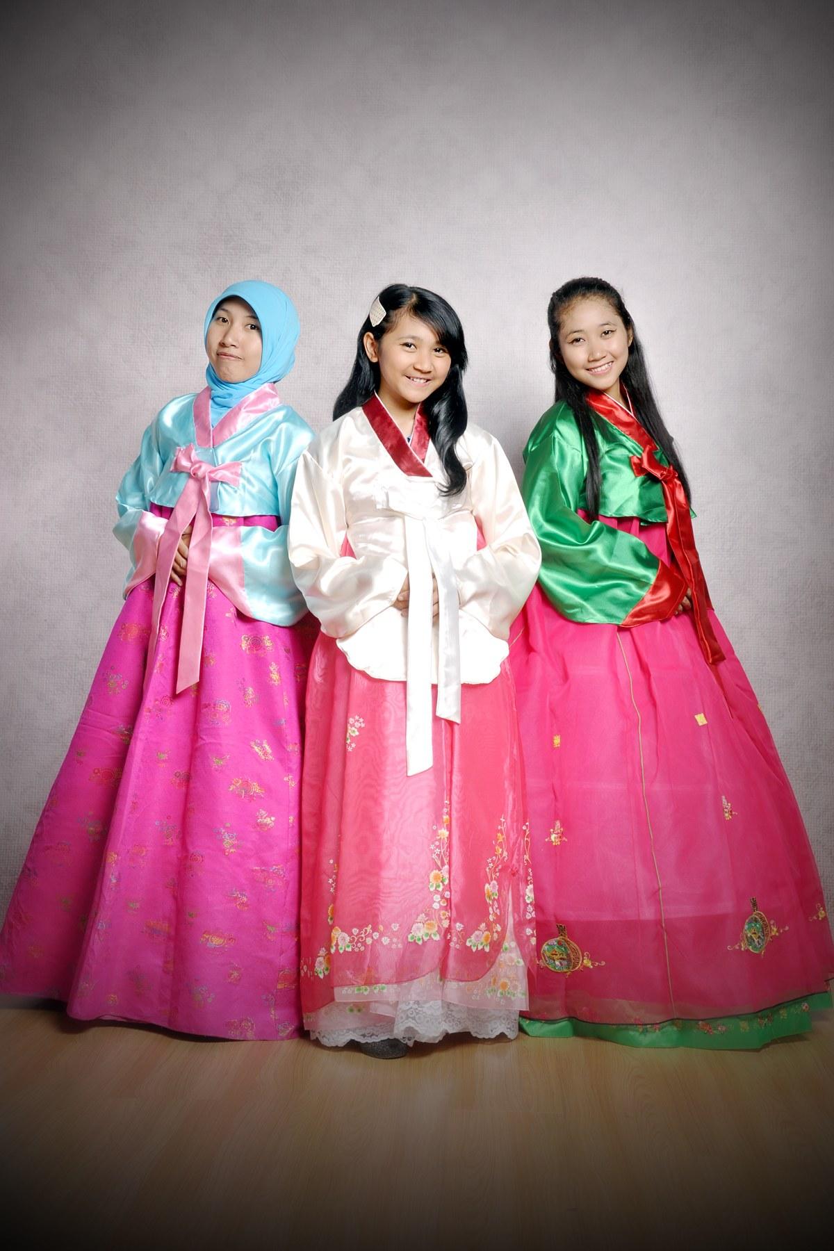 """Model Sewa Baju Pengantin Muslimah Tangerang Zwdg Ritsuflame Hanbok """"jual Dan Menyewakan Baju Tradisional"""