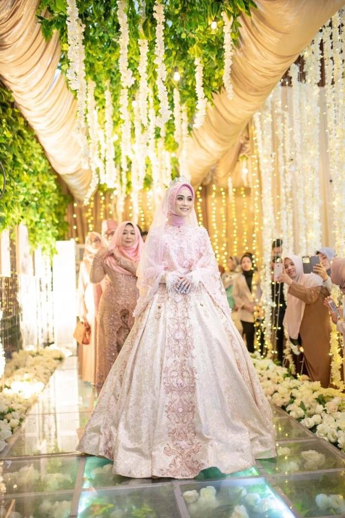 Model Sewa Gaun Pengantin Muslimah Modern Kvdd Laksmi Muslimah solusi Sewa Busana Pengantin Muslimah Syar