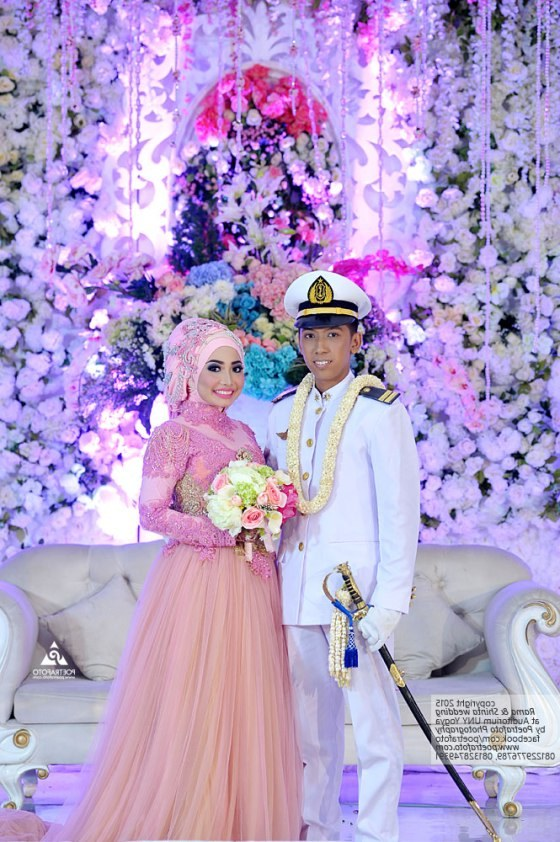 Model Sewa Gaun Pengantin Muslimah Yogyakarta Budm 27 Foto Pernikahan Pedang Pora Dg Baju Kebaya Pengantin