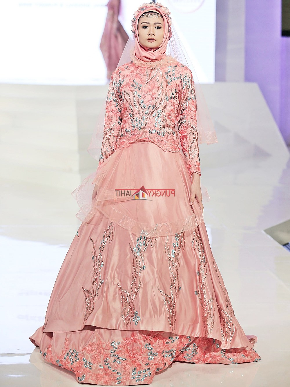 Model Sewa Gaun Pengantin Muslimah Yogyakarta E9dx Gaun Pengantin Muslimah Dress Muslim Pungky Rumah Jahit
