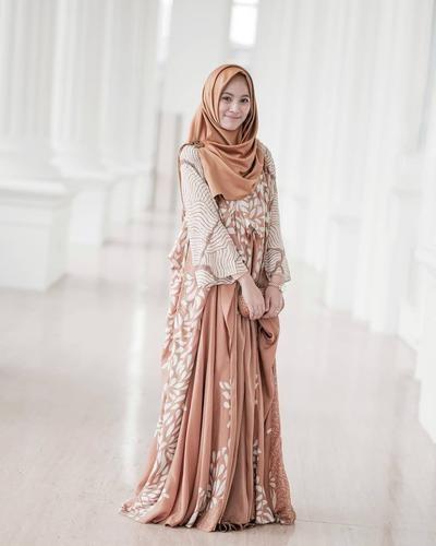 Bentuk Baju Gamis Untuk Acara Pernikahan X8d1 Musim Nikah Ini Mix and Match Baju Gamis Batik Yang Cocok