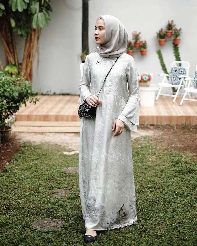 Bentuk Gamis Pernikahan Modern E6d5 √ 30 Model Gamis Pesta Mewah Modern Brokat Terbaru 2019