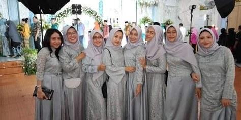 Bentuk Gamis Untuk Seragam Pernikahan Q5df List Of Seragam Pernikahan Images and Seragam Pernikahan