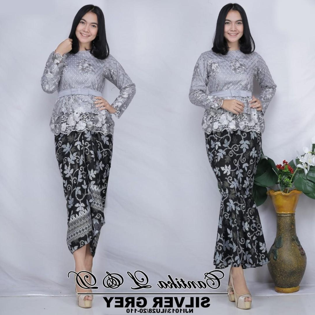 Bentuk Kebaya Bridesmaid Hijab Modern Mndw Cantika Sulam Kurung with Printed Batik Skirt Free Belt