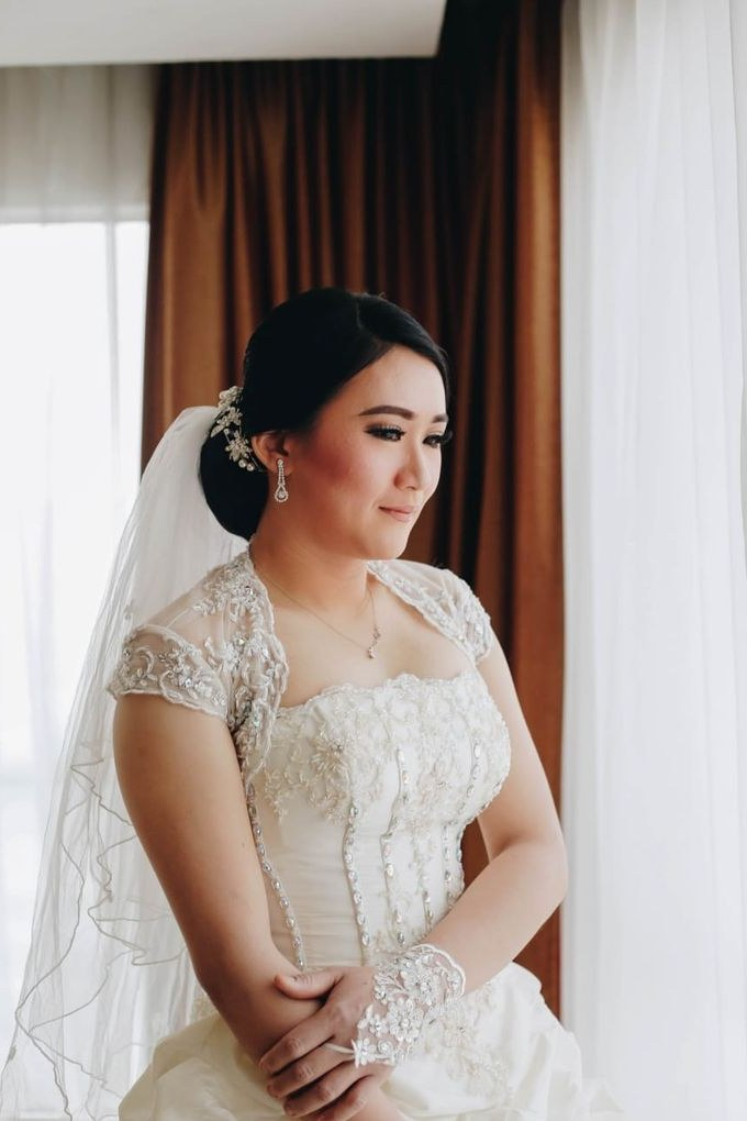 Bentuk Kebaya Bridesmaid Hijab Qwdq Wedding Od Lie Bun Hoa Dan Meliana by Michelle Bridal