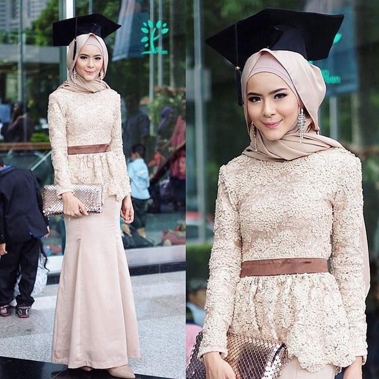 Bentuk Model Baju Bridesmaid Hijab Brokat Tqd3 Populer 30 Model Kebaya Modern Hijab
