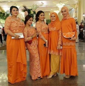 Bentuk Model Gamis Untuk Resepsi Pernikahan 3id6 Ide Model Gamis Brokat Untuk Wanita Gemuk Halaman All