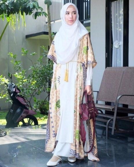 Design Gamis Untuk Acara Resepsi Pernikahan T8dj 25 Koleksi Baju Pesta Batik Muslim Gaya Modern 2019