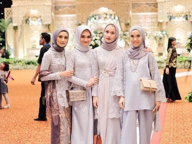 Design Gamis Untuk Acara Resepsi Pernikahan Thdr Padu Padan Hijab Simpel Dan Elegan Untuk Pesta Pernikahan