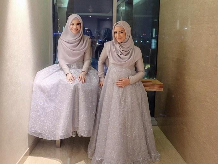 Design Gamis Untuk Acara Resepsi Pernikahan Zwdg Inspirasi Baju Bridesmaid Hijab Ala Zaskia Sungkar Dan