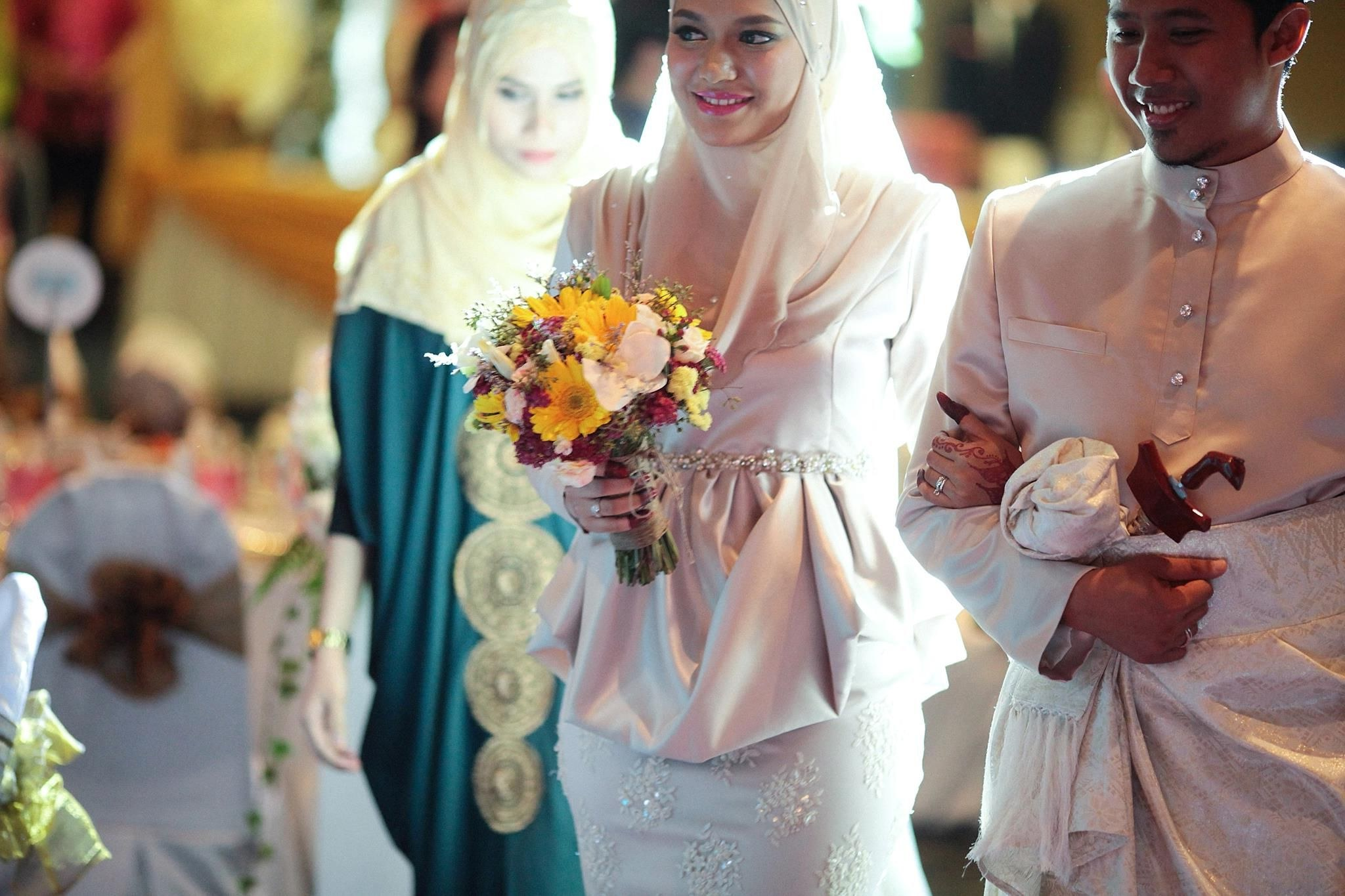 Ide Hijab Bridesmaid Ftd8 Malay Wedding the Reception Beige for the Newlyweds and