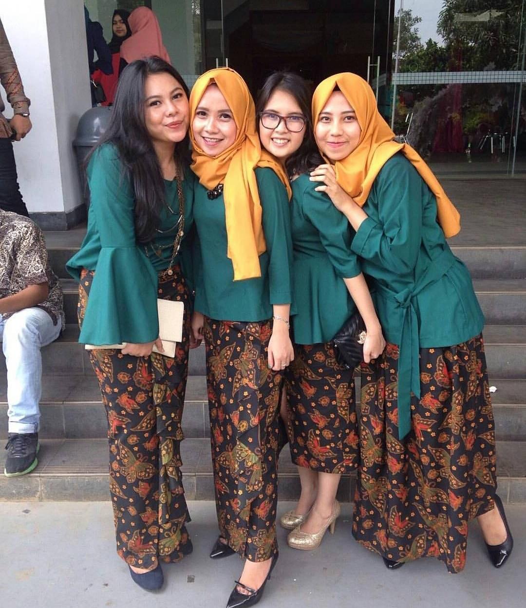 Ide Inspirasi Gaun Bridesmaid Hijab S5d8 Kumpulan Hijab Untuk Kebaya Hijau