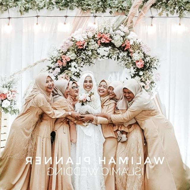 Ide Inspirasi Gaun Bridesmaid Hijab Tldn Walimahplannerdekorasi Instagram Posts Gramha