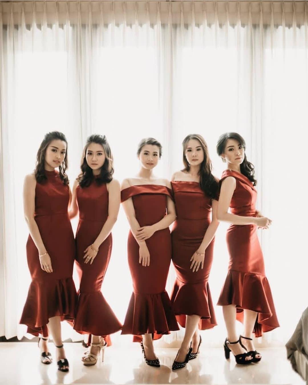 Ide Model Baju Gamis Untuk Pernikahan J7do 7 Ide Seragam Bridesmaid Yang Bisa Kamu Contek Mulai Dari