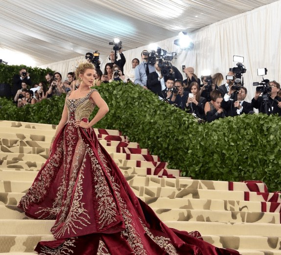 Inspirasi Desain Baju Bridesmaid Hijab Thdr Our Favorite Met Gala 2018 Looks