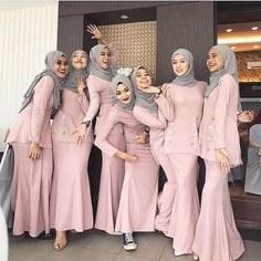 Inspirasi Model Baju Bridesmaid Hijab 2018 T8dj 17 Best Group Images In 2019