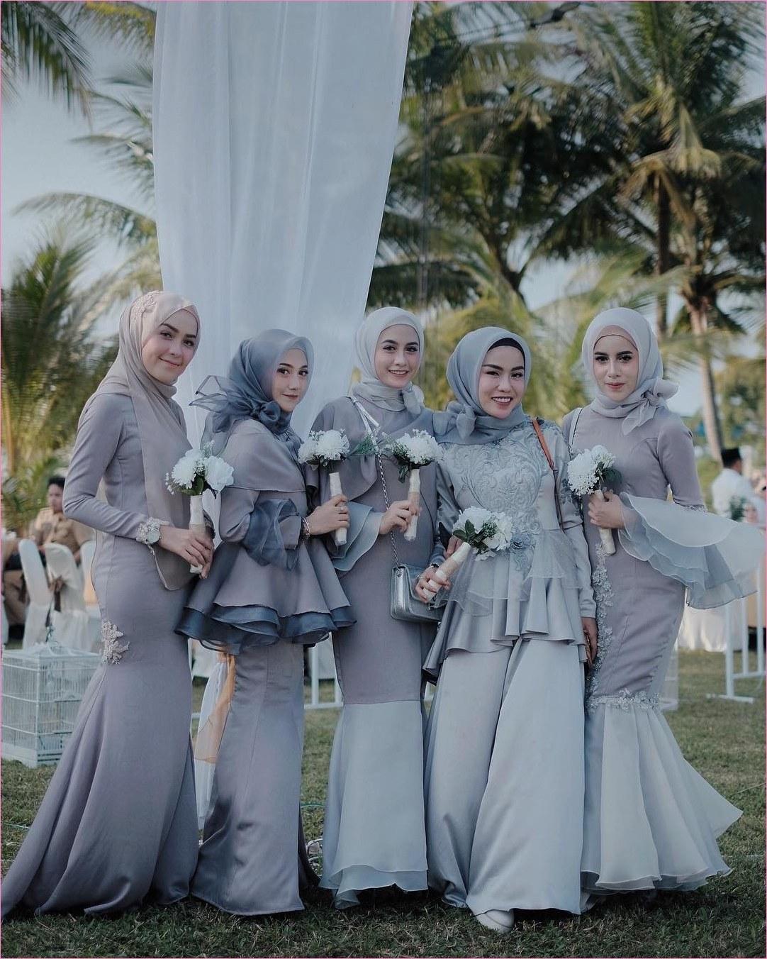 Inspirasi Model Baju Bridesmaid Hijab 2018 Tldn Dress Brokat Abu Abu Gamis Brokat