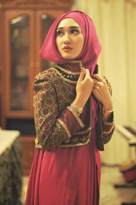 Inspirasi Model Gamis Untuk Acara Pernikahan Kvdd Pesona Batik Nusantara Yang Indah Dan Menawan Untuk Muslimah