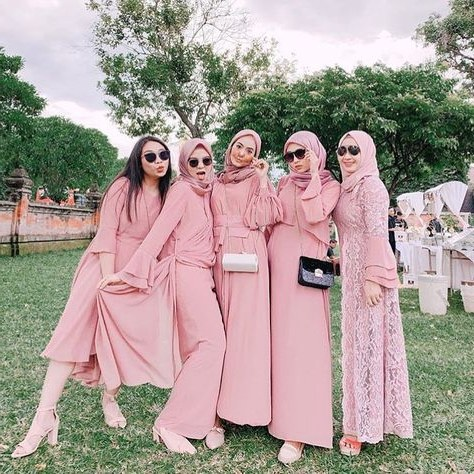 Inspirasi Model Kebaya Bridesmaid Hijab 4pde List Of Gaun Kebaya Gowns Bridesmaid Dresses Images and Gaun
