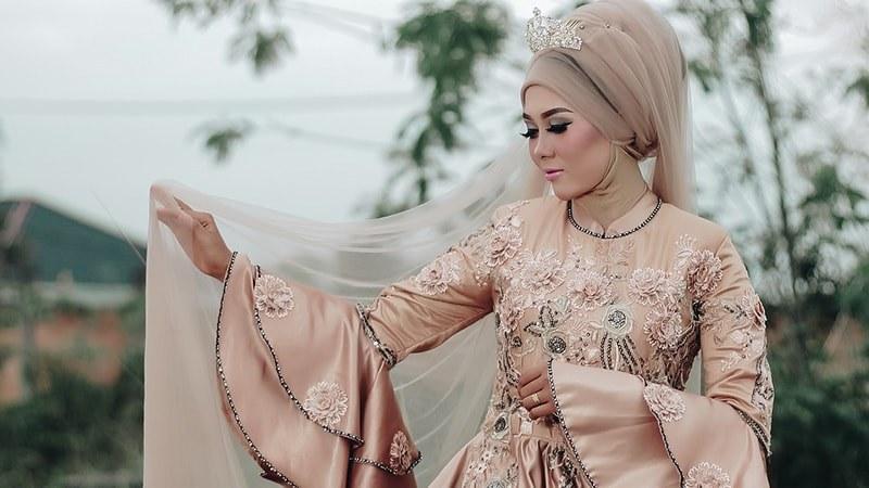 Model Gamis Syari Untuk Pesta Pernikahan Nkde 8 Inspirasi Model Baju Gamis Pesta Dari Berbagai Negara