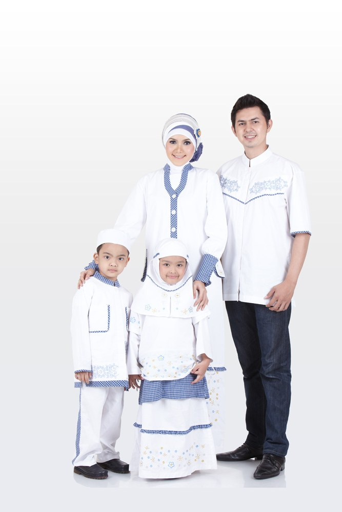 Bentuk Baju Lebaran Keluarga Warna Putih 87dx 55 Model Baju Muslim Seragam Keluarga Warna Putih Terbaru