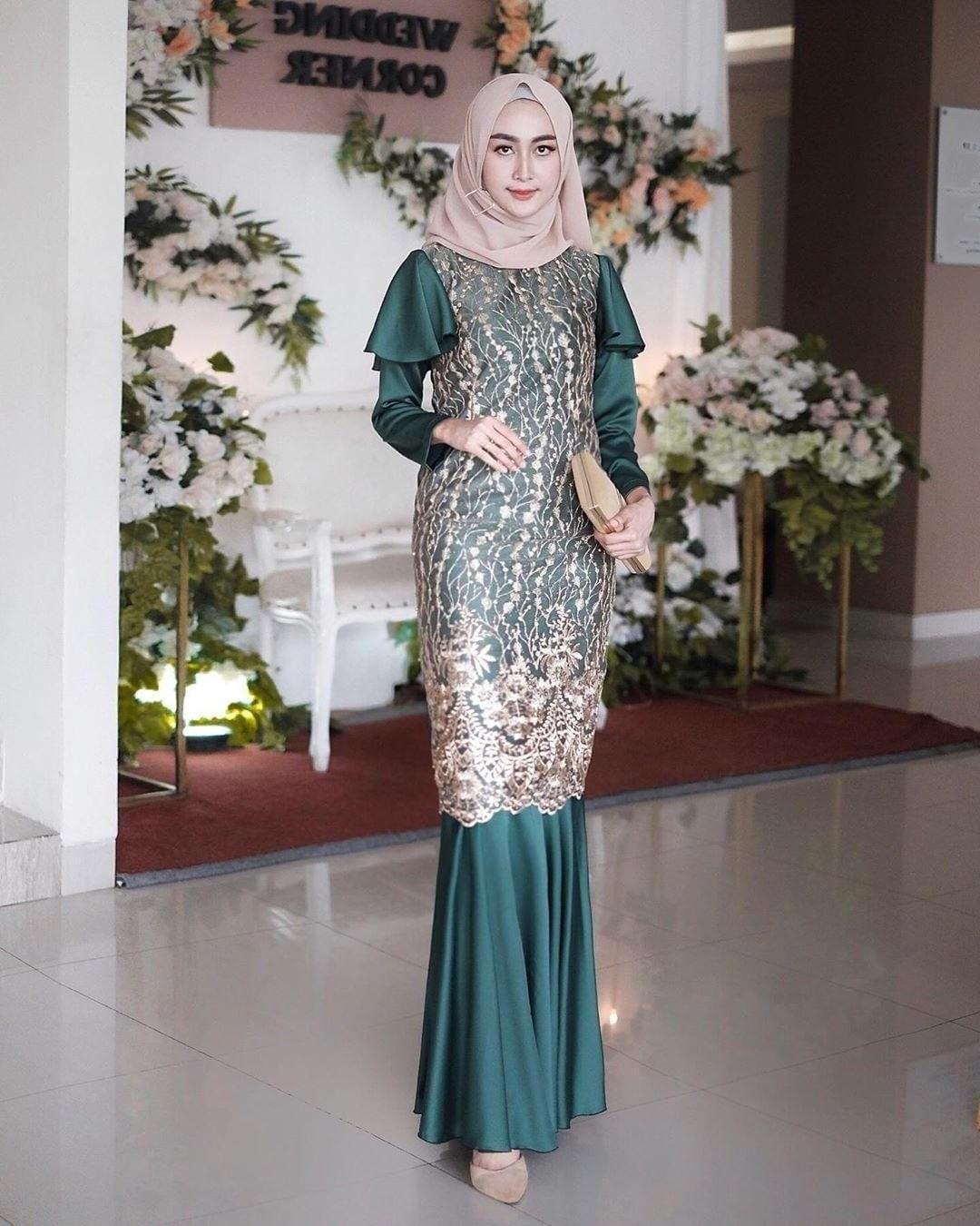 Bentuk Baju Lebaran Pria 2020 Tqd3 6 Tren Model Gaun Pesta Untuk Muslimah 2020