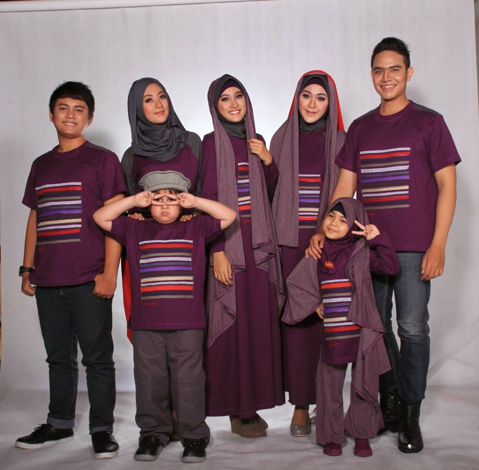 Bentuk Baju Lebaran Simpel Elegan Thdr Model Baju Muslim Keluarga Elegan Terbaru Foto Dan