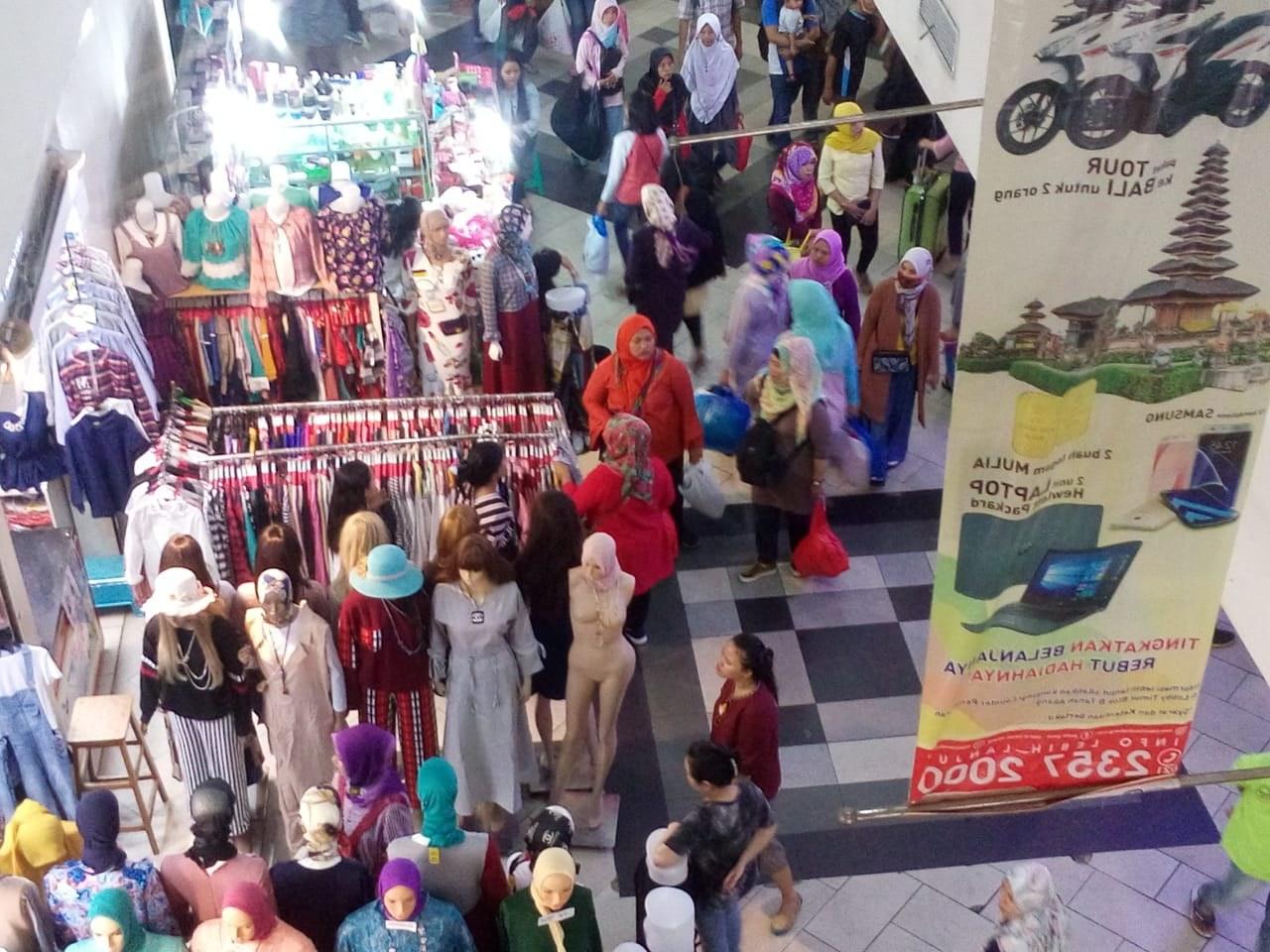 Bentuk Baju Lebaran Tanah Abang Whdr Berburu Baju Lebaran Di Pasar Tanah Abang Okezone Economy