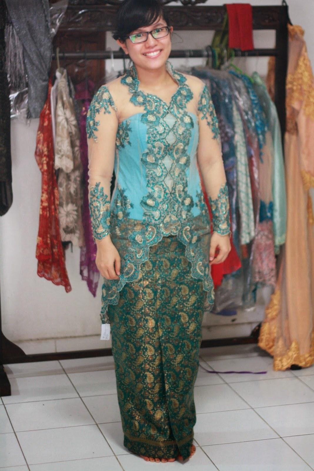 Bentuk Baju Lebaran Untuk Ibu Gemuk D0dg 33 Model Baju Kebaya Modern Yang Elegan Dikenakan [update