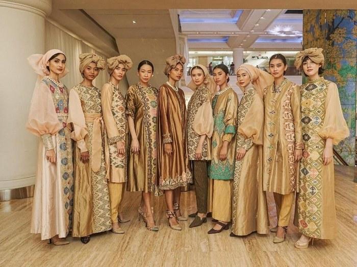 Bentuk Koleksi Baju Lebaran 2019 9ddf Di T Maulana Angkat Keindahan songket Bali Untuk Baju