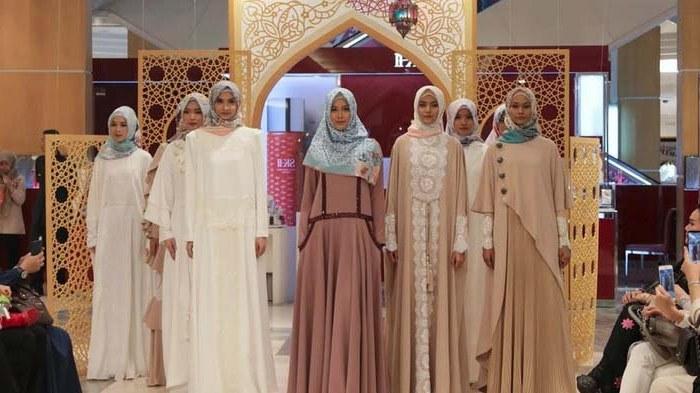 Bentuk Koleksi Baju Lebaran 2019 E9dx Raya Viral 2019 Fesyen Baju Raya 2020