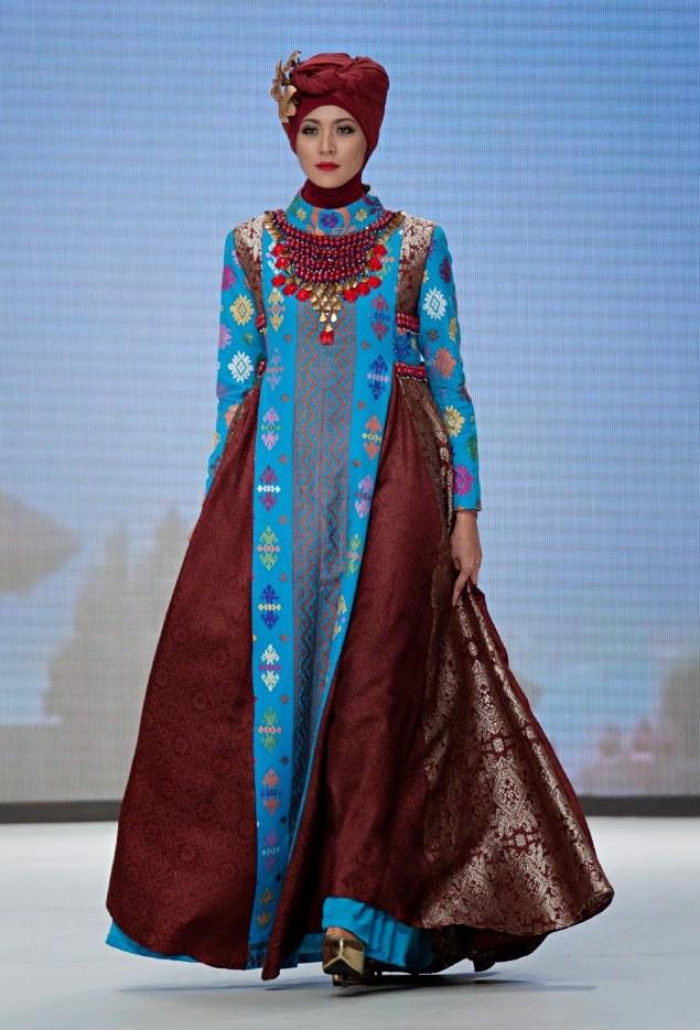 Bentuk Model Baju Lebaran Dian Pelangi 2018 Irdz 25 Gaun Kebaya Muslim Dian Pelangi Modern Terbaru 2018