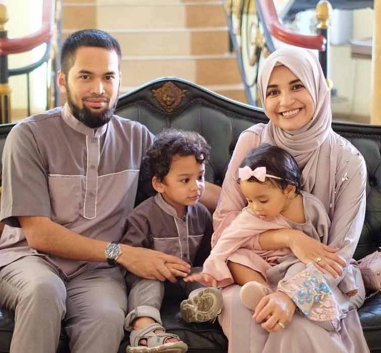 Bentuk Model Baju Lebaran Keluarga Artis 9fdy 15 Baju Lebaran Keluarga Artis Terkenal Di Indonesia