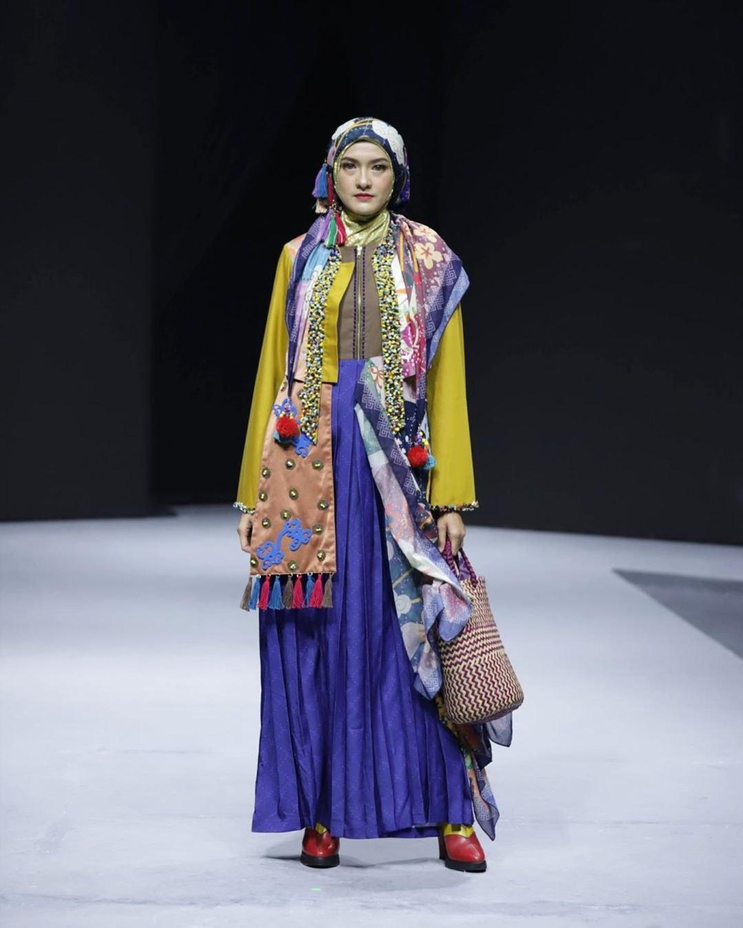 Bentuk Model Baju Lebaran Tahun 2020 Mndw Inspirasi Model Baju Lebaran 2020 Dari Para Desainer