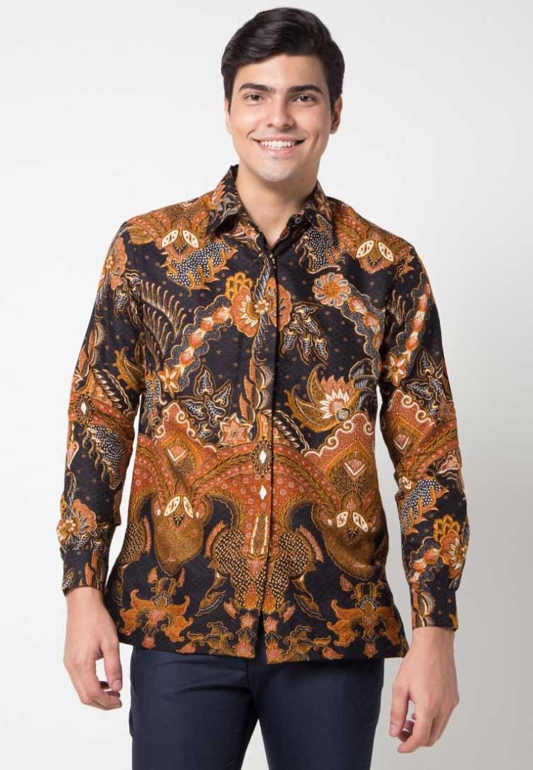 Bentuk Trend Baju Lebaran Pria 2019 Qwdq 30 Model Baju Batik Pria Gaul Kombinasi Polos Modern