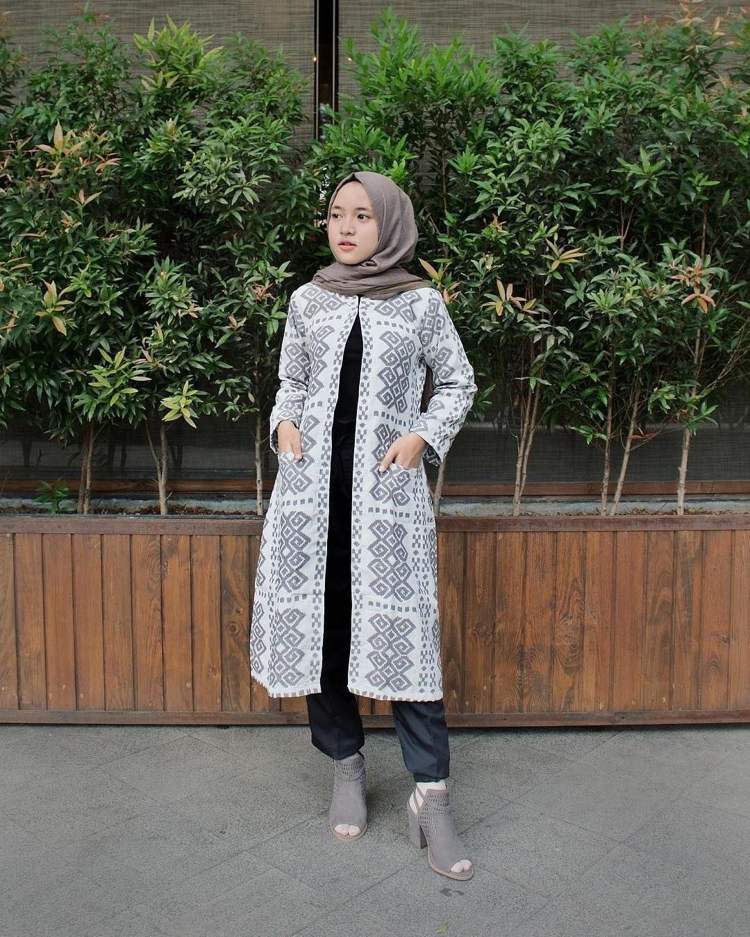 Design Baju Lebaran Ala Nissa Sabyan 4pde 10 Gaya Berpakaian Nissa Sabyan Yang Bisa Kamu Tiru Untuk
