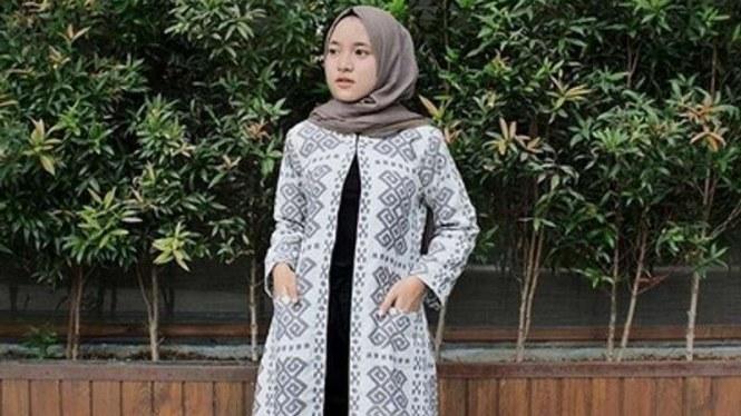 Design Baju Lebaran Ala Nissa Sabyan Thdr Tiru 5 Gaya Fesyen Nissa Sabyan Untuk Lebaran
