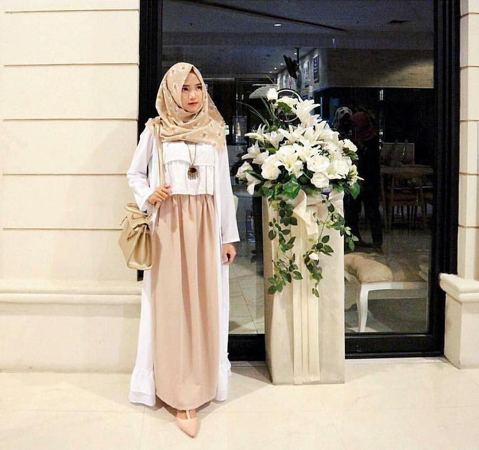 Design Baju Lebaran Modern 2019 Drdp 20 Trend Model Baju Muslim Lebaran 2018 Casual Simple Dan