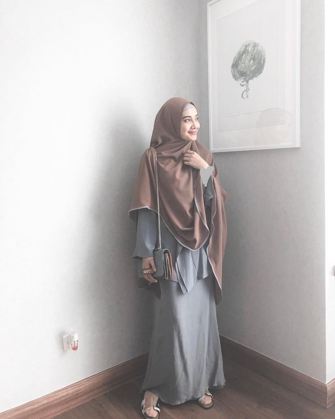 Design Baju Lebaran Zaskia Sungkar 4pde Baju Muslim Zaskia Sungkar