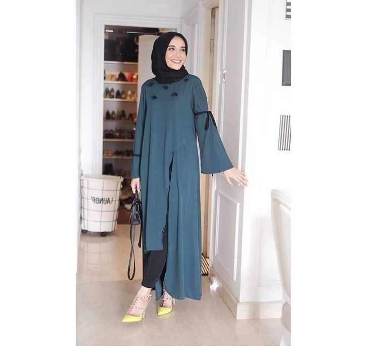 Design Baju Lebaran Zaskia Sungkar X8d1 6 Gaya Hijab Artis Indonesia Untuk Inspirasi Lebaran
