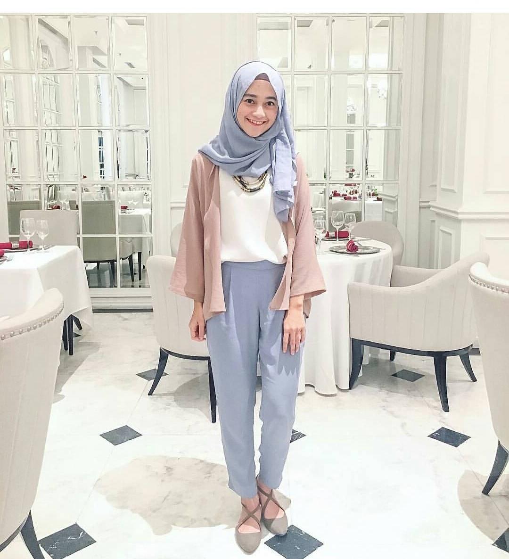 Design Fashion Muslimah Kekinian 9ddf 20 Trend Model Baju Muslim Lebaran 2018 Casual Simple Dan