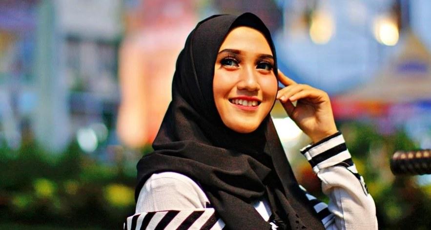 Design Fashion Muslimah Kekinian Ffdn Cara Menjadikan Fashion Hijab Muslimah Yang Anggun