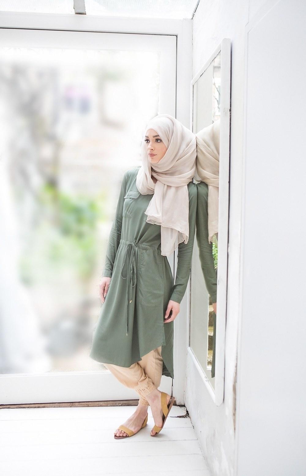 Design Model Baju Lebaran 2018 Irdz 25 Trend Model Baju Muslim Lebaran 2018 Simple & Modis
