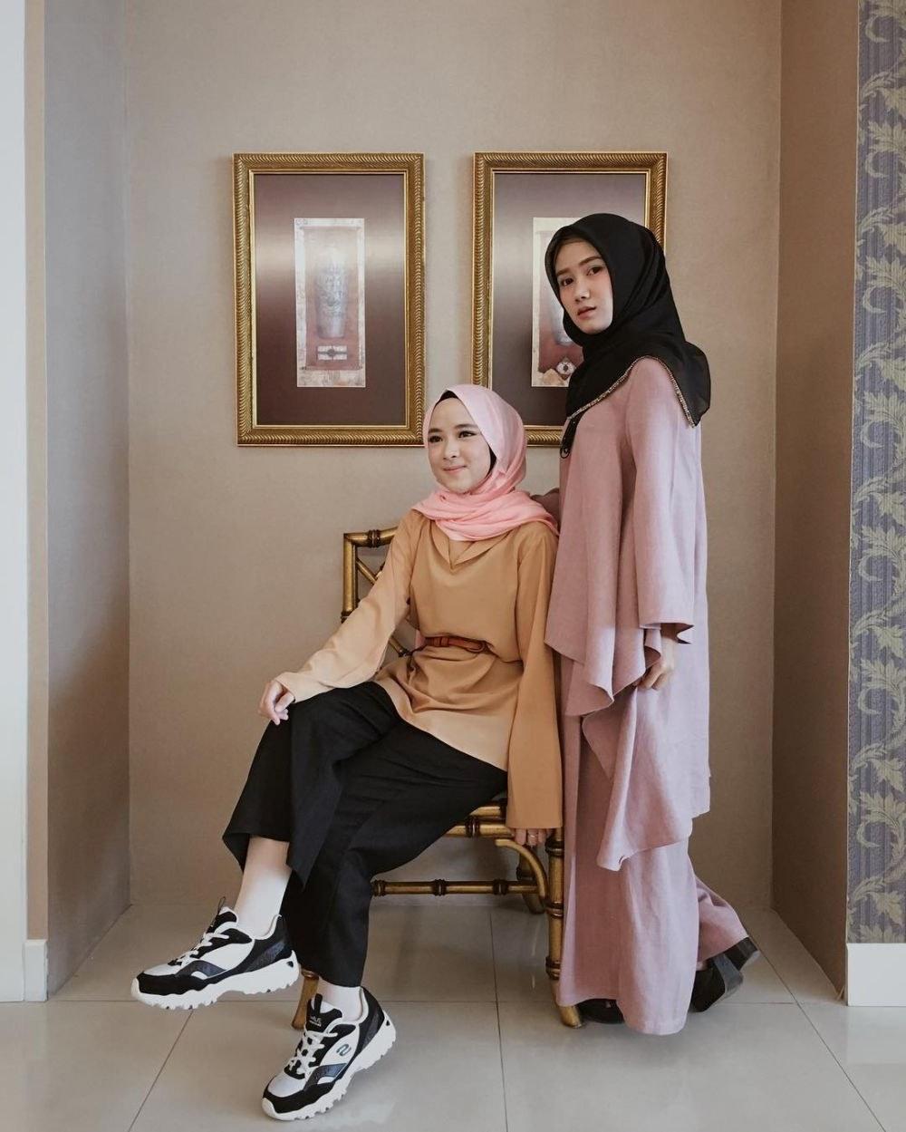 Design Model Baju Lebaran Nissa Sabyan Ftd8 10 Inspirasi A Kasual Nissa Sabyan Bikin Hari Lebaran