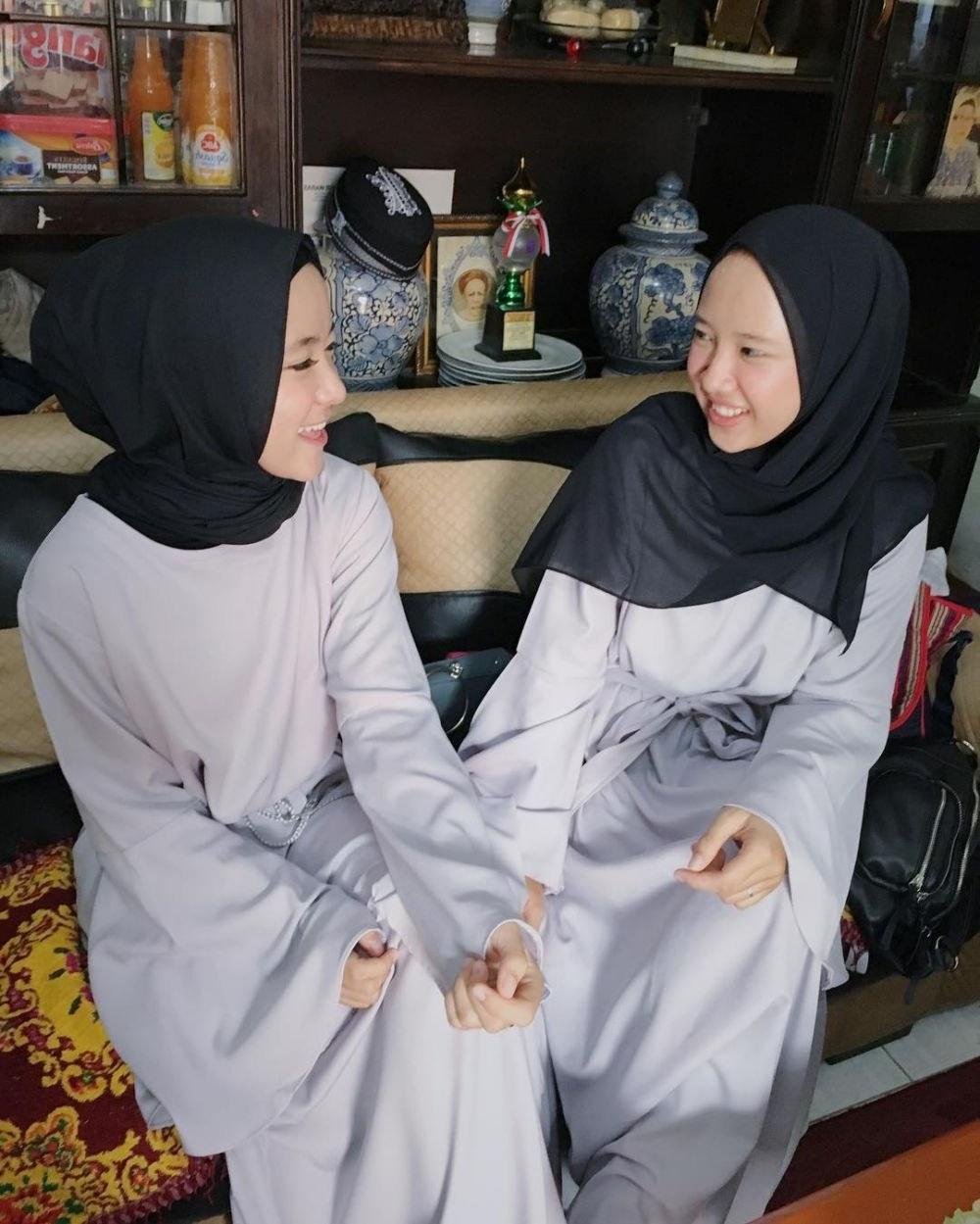 Design Model Baju Lebaran Nissa Sabyan Irdz 10 Inspirasi A Kasual Nissa Sabyan Bikin Hari Lebaran