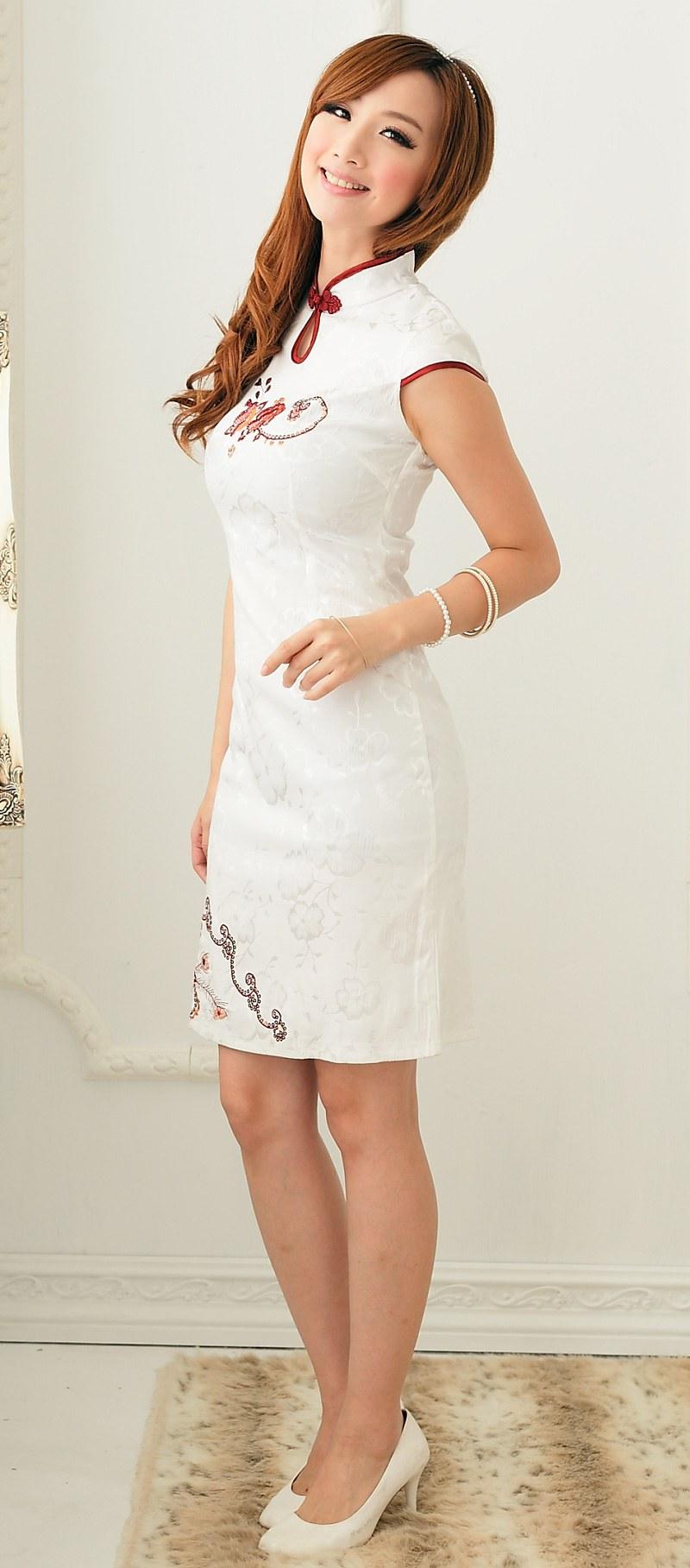 Design Model Baju Lebaran Warna Putih D0dg Baju Cheongsam Wanita Putih Model Terbaru