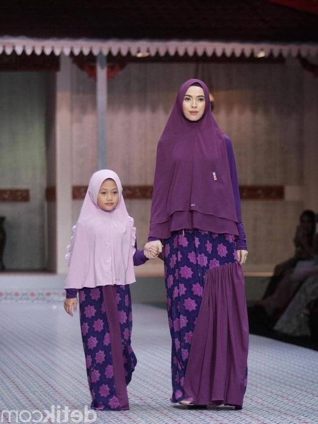 Ide Baju Lebaran Anak Muslim E6d5 Si Se Sa Rilis Baju Muslim Syar I Untuk Kembar Dengan Anak