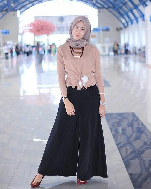 Ide Baju Lebaran Casual 2018 0gdr 17 Model Baju Muslim Casual 2018 Edisi Terbaru Modis Dan Kece