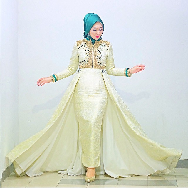Ide Baju Lebaran Dian Pelangi Kvdd Trend Baju Muslim Dian Pelangi Bahan Satin Terbaru 2017